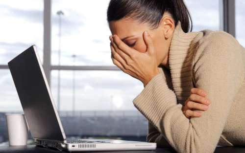 Стресс и переутомление как причины заболевания идиопатической крапивницей