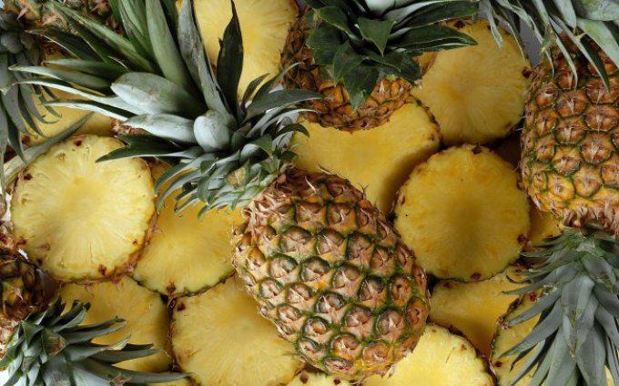 Разрезанный ананас