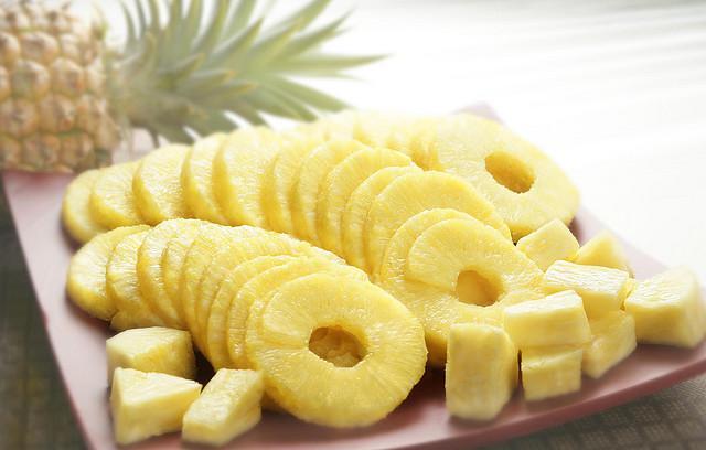 Дольки ананаса