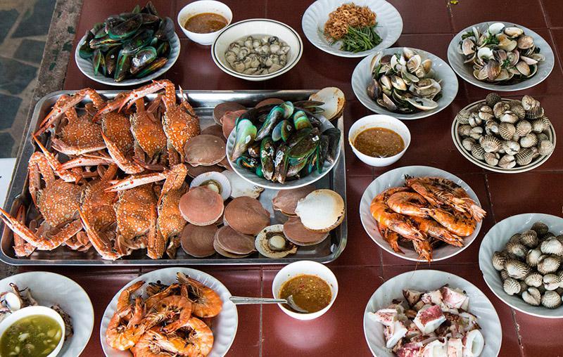 Различные блюда из морепродуктов
