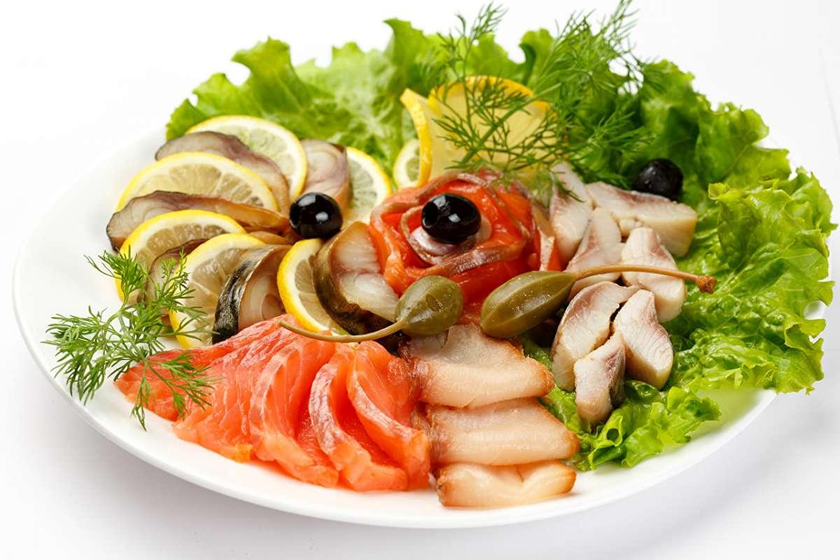 Изобилие рыбных блюд