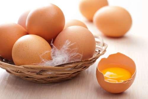 Яйца с желтком