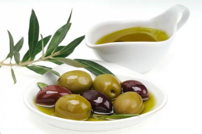 Оливковая ветвь и масло